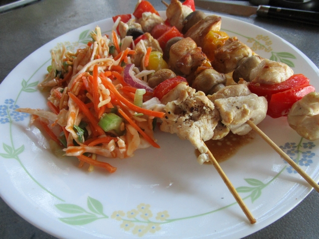 Chicken_and_mushrooms_kebabs_04.jpg