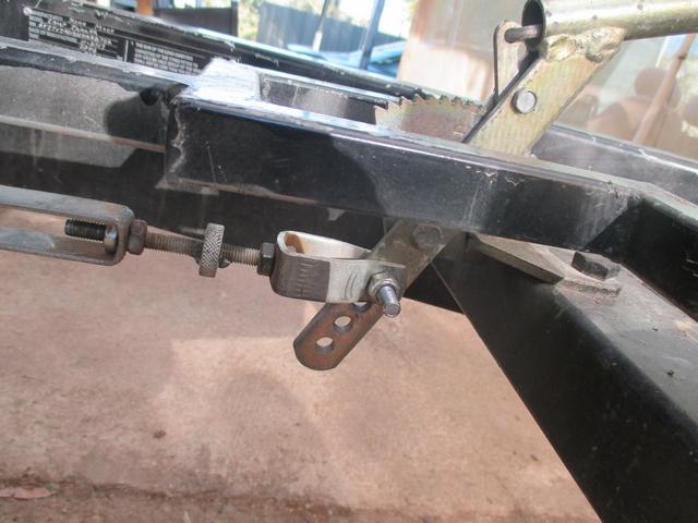 Hand_Brake_lever_001.jpg