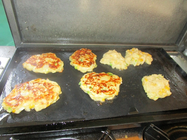 MASHED_POTATO_FRITTERS_04.jpg