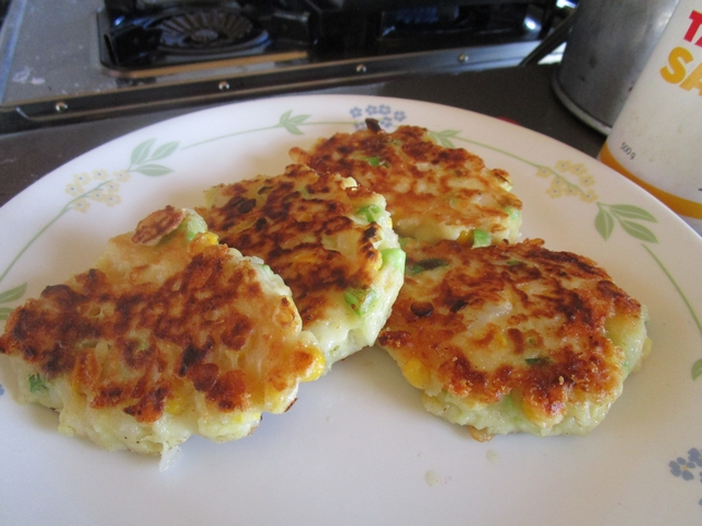 MASHED_POTATO_FRITTERS_05.jpg