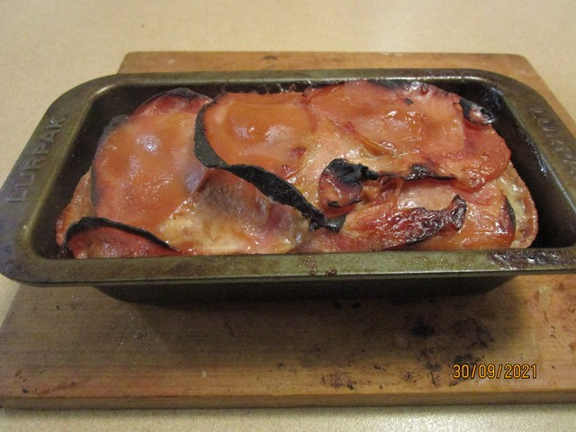 Meatloaf_with_Plum_Sauce_05.jpg