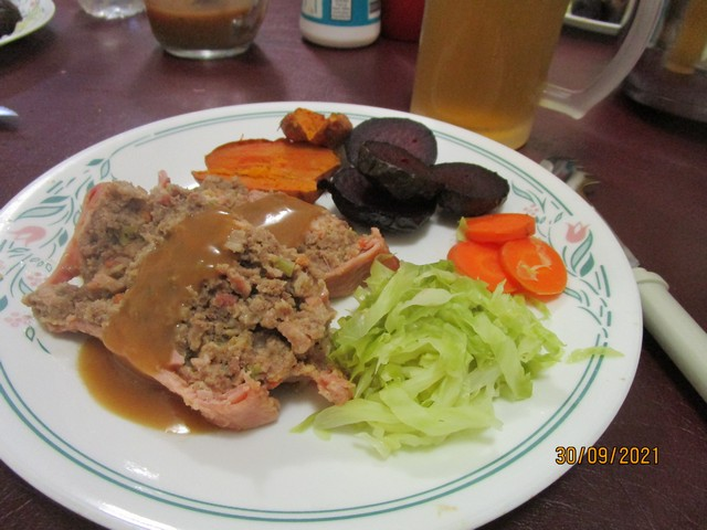 Meatloaf_with_Plum_Sauce_06.jpg