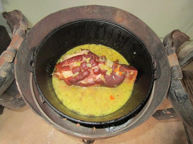 Pork_Hock_and_Lentil_Soup_03.jpg