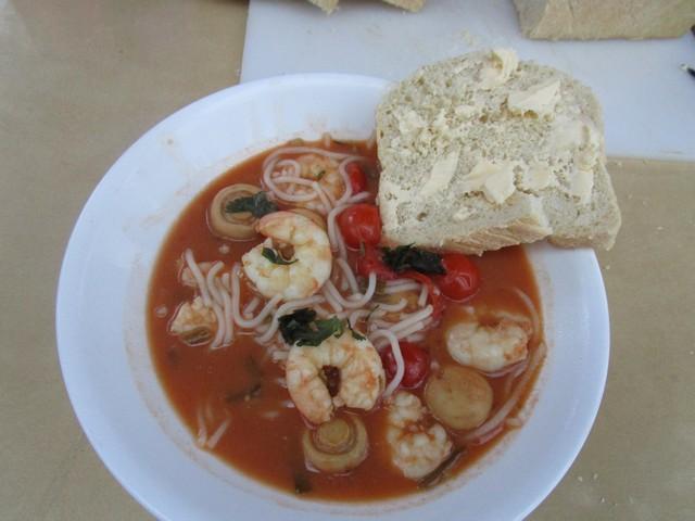 Prawn_and_Noodle_Tom_Yum_Soup_06.jpg