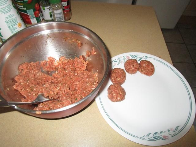 Spanish_Meatballs_02.jpg