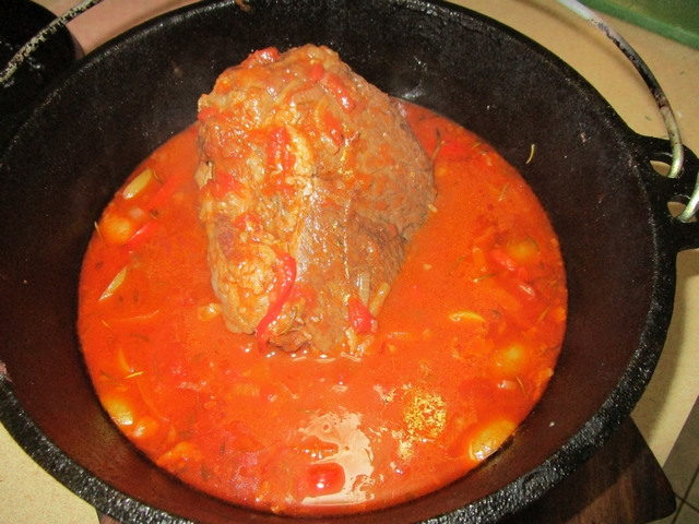 Spanish_beef_pot_roast_05.jpg