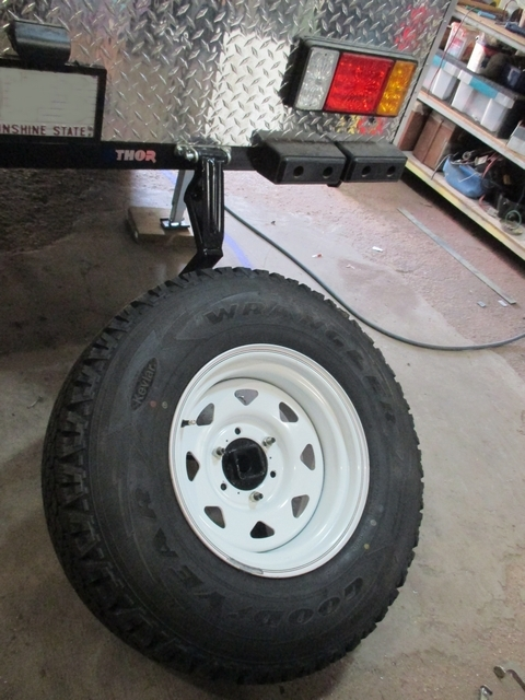 Spare_Tyre_Mount_03.jpg