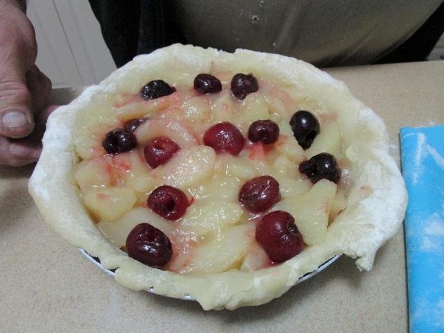 apple_and_cherry_pie_03_001.jpg